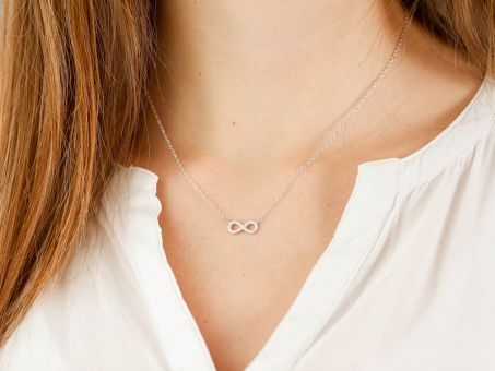 Collier Infinity  4